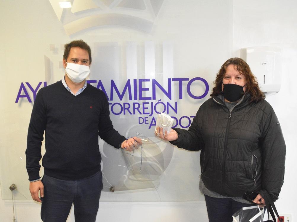 El Ayuntamiento aporta más material de protección a los comerciantes de Torrejón de Ardoz